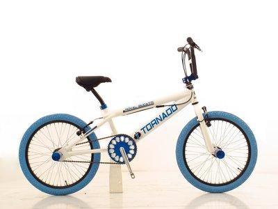 Tornado Freestyle bike lux glimmend wit (d.blauwe banden)
